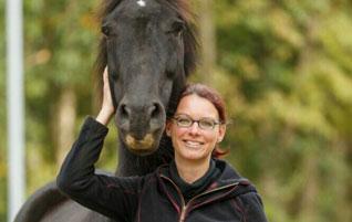 Hilfe im Pferdestall